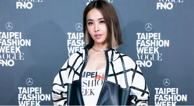 「台北時裝週」盛大展開!Jolin蔡依林曬辣長腿性感看秀!