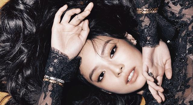 《BLACKPINK》首位Solo成員!Jennie單拍美照再現「人間香奈兒」風采!