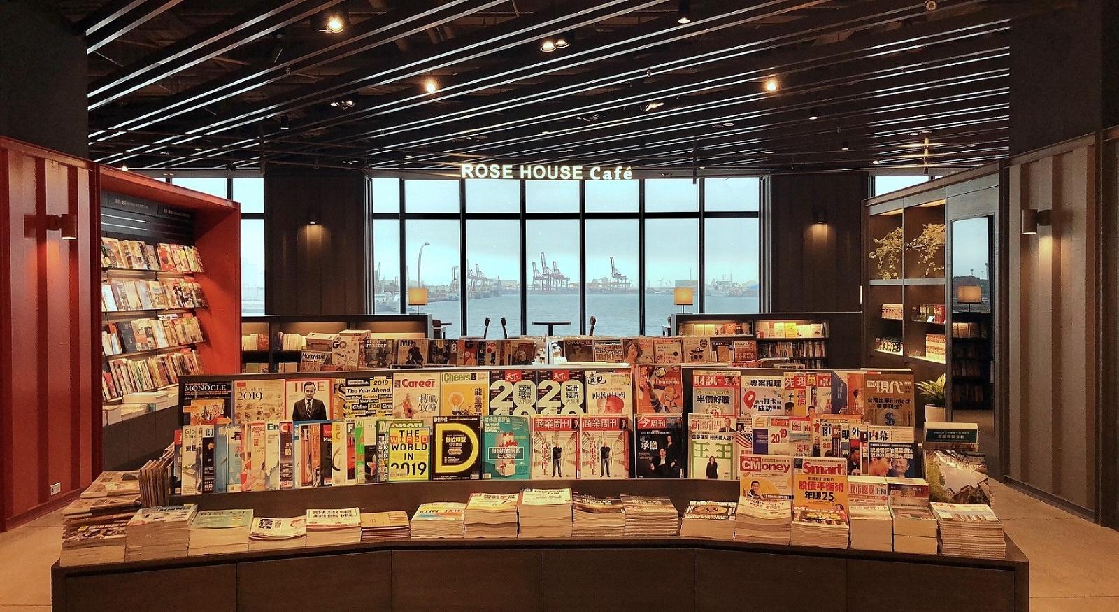 全台首間「能看海的誠品」三井oulet登場!閱讀、咖啡、舒芙蕾一次到位!