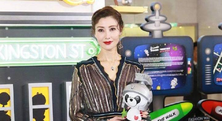 48歲李嘉欣美到登熱搜!網友扒出20年前舊照狂讚永遠的「最美港姐」!