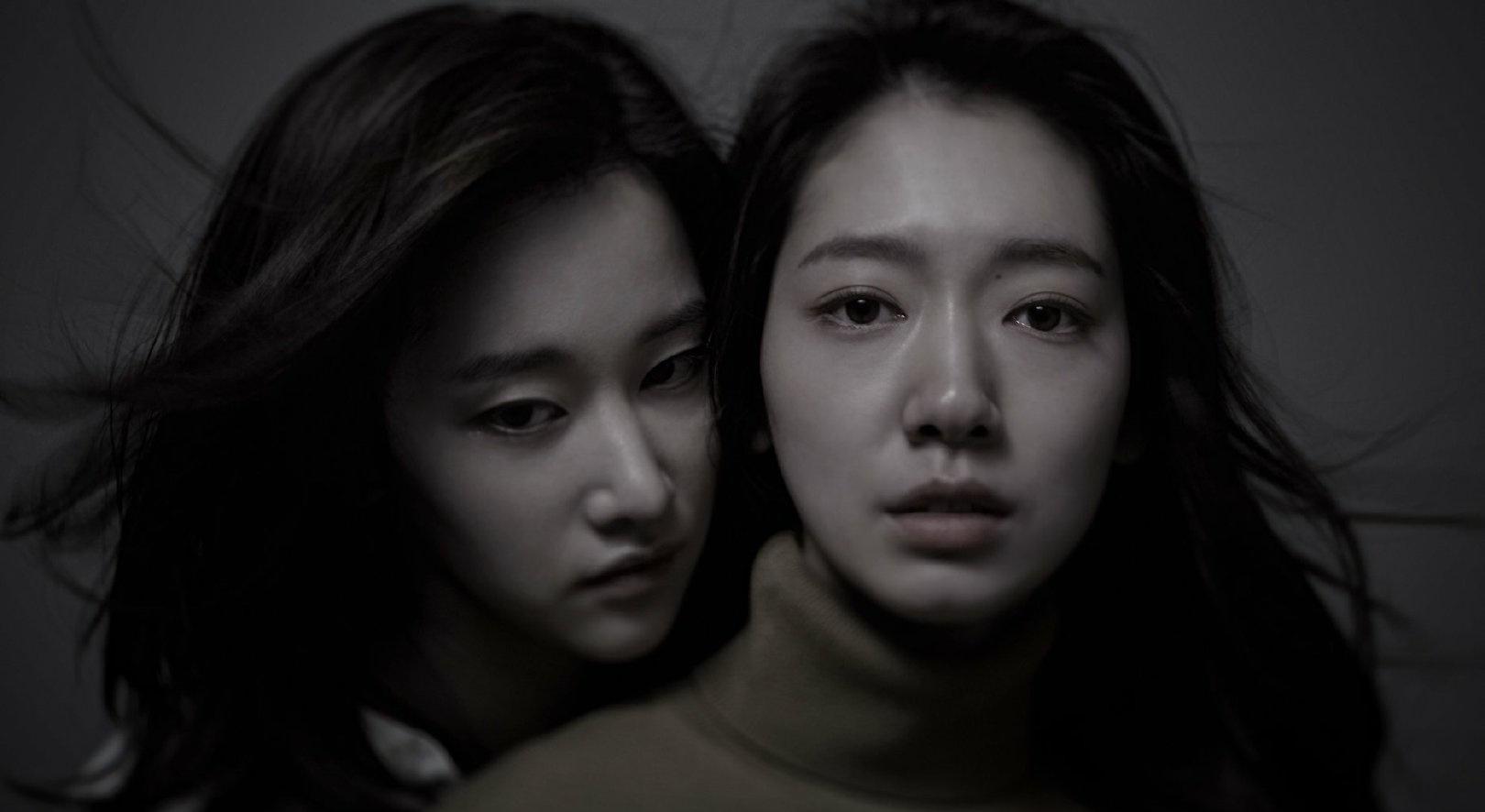 朴信惠首度接演驚悚片!「超暗黑」海報曝光卻被讚:連憔悴都美!