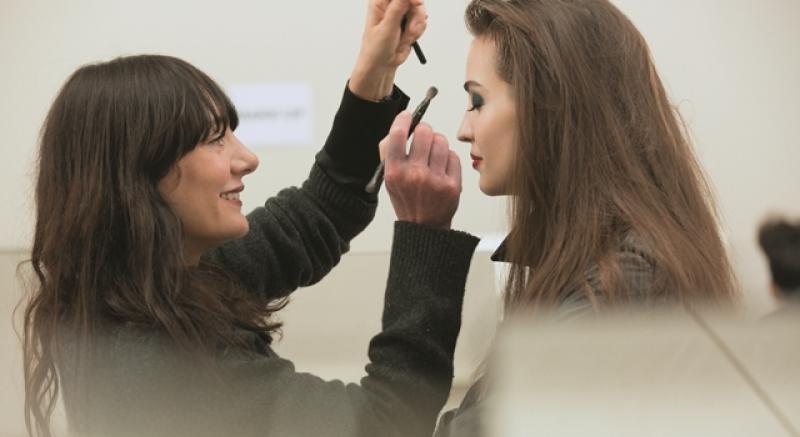 香奈兒全球彩妝設計師最愛推薦!大讚:這個真的非常好上妝!