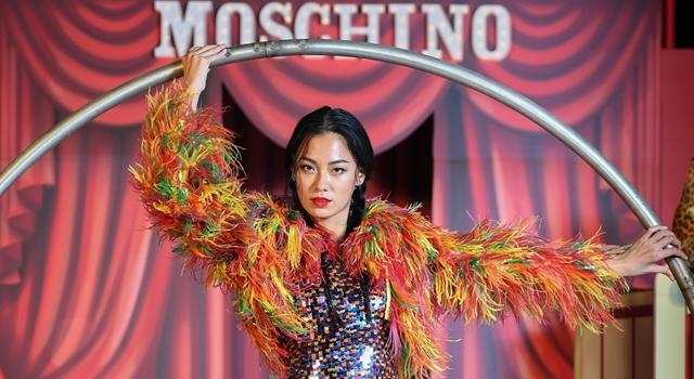 MOSCHINO打造時尚馬戲團!名模王麗雅化身「性感小丑女」超惹火!