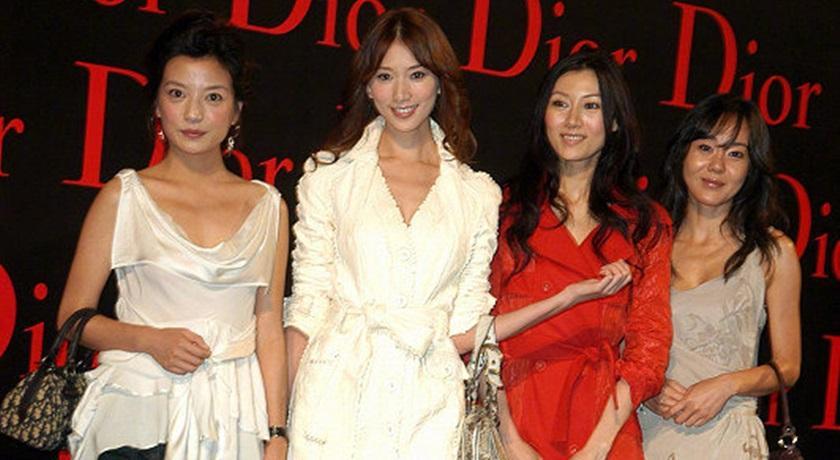 女神同框比美!林志玲、趙薇、李嘉欣13年前「舊照曝光」被網讚爆的是…