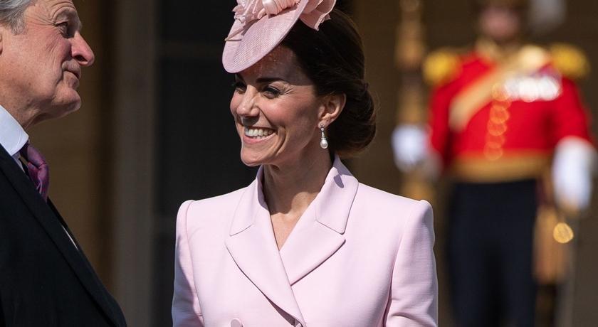 凱特王妃24小時換三套衣服!被媒體拍到「最萌瞬間」...