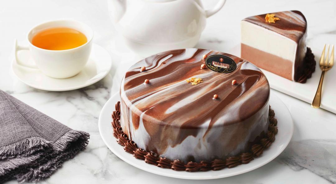 大理石紋配上金箔整個超氣派!父親節送爸爸這個蛋糕不出錯