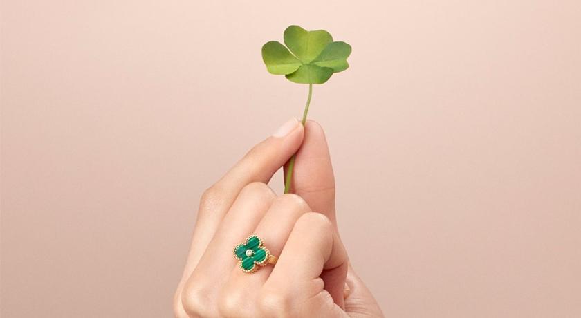 把「四葉幸運草」擺上身感覺好幸福!各色彩石讓珠寶迷尖叫