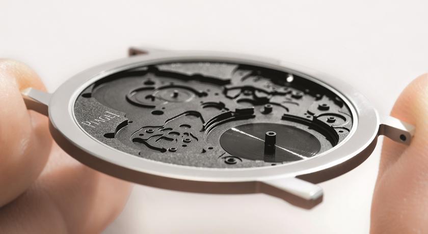 薄如「兩張信用卡」2mm 腕錶超驚豔!伯爵最新概念錶顛覆想像