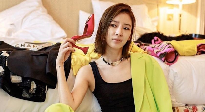 最火紅配件在菜市場「只送不賣」?韓國百萬網紅橫行時裝週全靠它