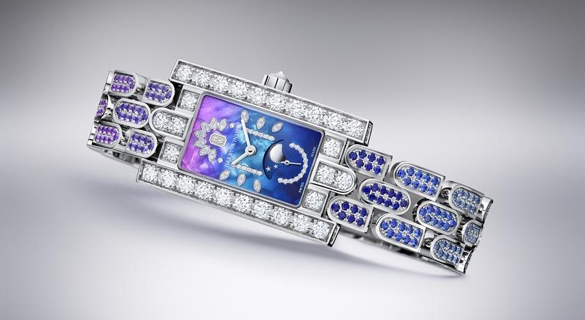 女子錶》漸層珍珠母貝好像看到夜空!這只腕錶根本比手鐲還亮眼