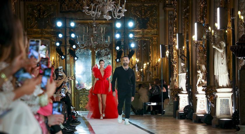 H&M年度設計師系列開售在即!坎達兒珍娜絕美夢幻禮服售價曝光