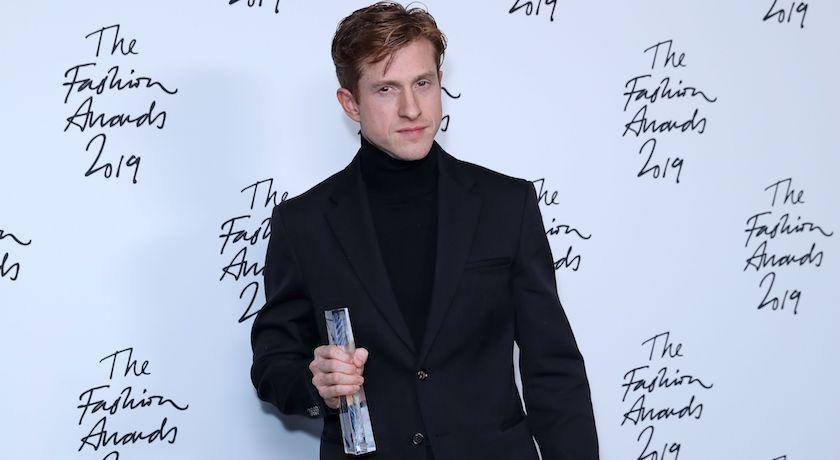 超火紅雲朵包他做的!橫掃英國時尚BFA四大獎、連網美打卡店都難不倒哥