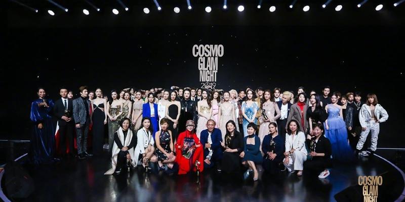 硬逼超過 50 位藝人大合照!林志玲、潤娥被拍到「吃癟慘狀」