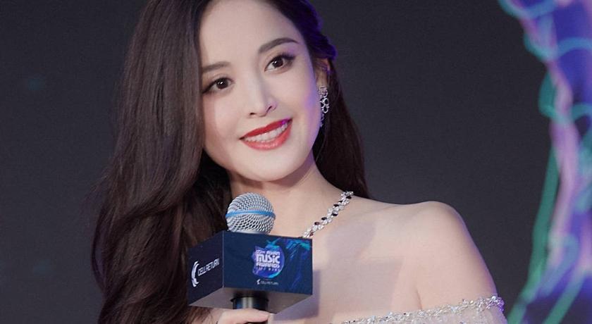 (有片)中國女星 MAMA 頒獎!一開口「超糗破英文」網爆笑