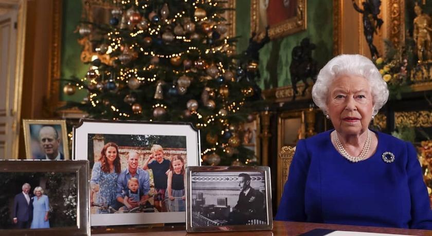英國女王真的生氣了?桌上照片洩端倪哈利梅根「被消失」...