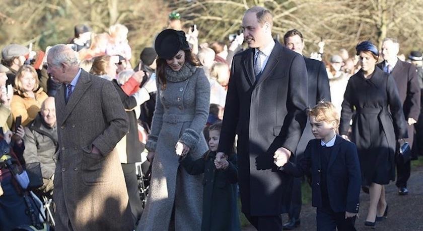 親子裝範本來了!凱特王妃牽小公主夏綠蒂上教堂這個「小細節」秀衣品