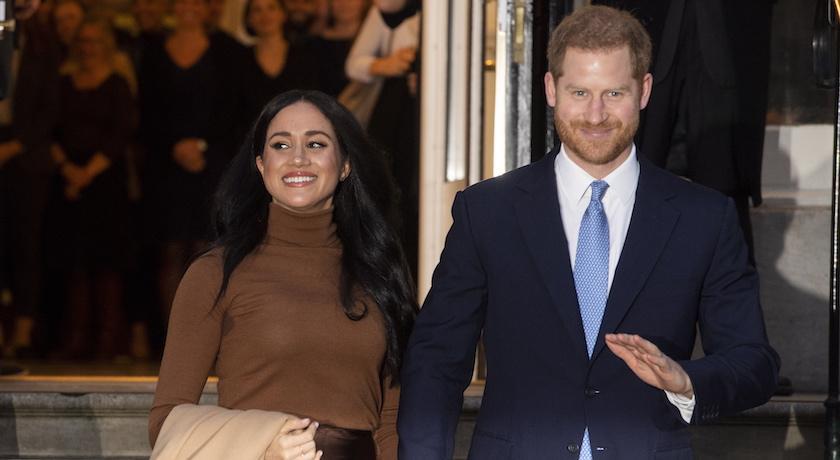 神隱兩個月終於現身!梅根王妃新年首亮相大衣外套「別有用心」?