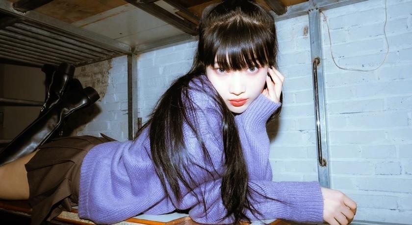 Red Velvet Joy 穿「及臀短裙」趴下險曝光!網狂喊:鏡頭再往下一點...
