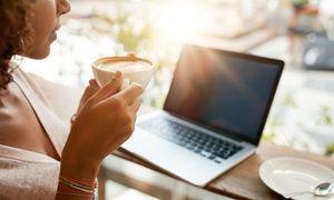 早上習慣喝杯咖啡才開工?就維持這個習慣吧!(翻攝自pinterest)