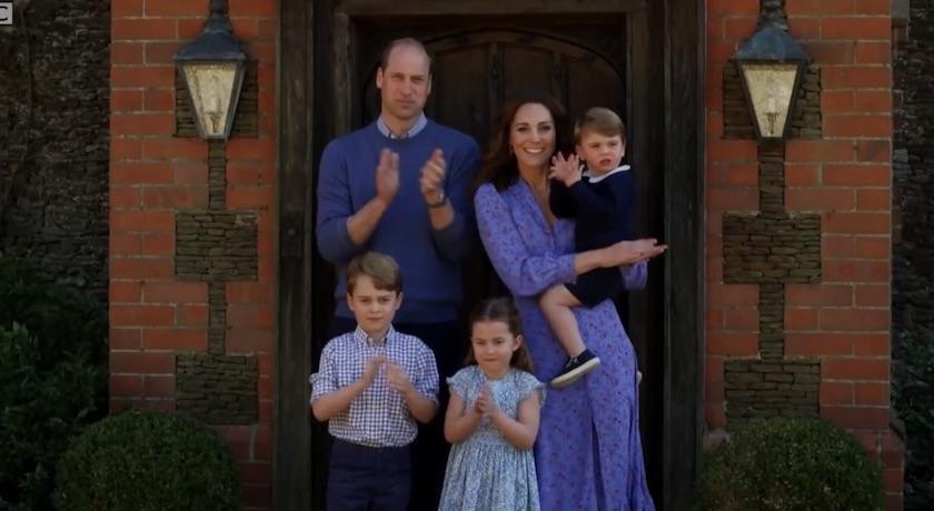一家五口難得全員集合!凱特王妃「絕美藍洋裝」背後含意被讚爆