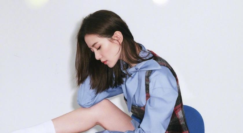 劉詩詩首登男性雜誌封面!「下身失蹤」曬雪白美腿超吸睛