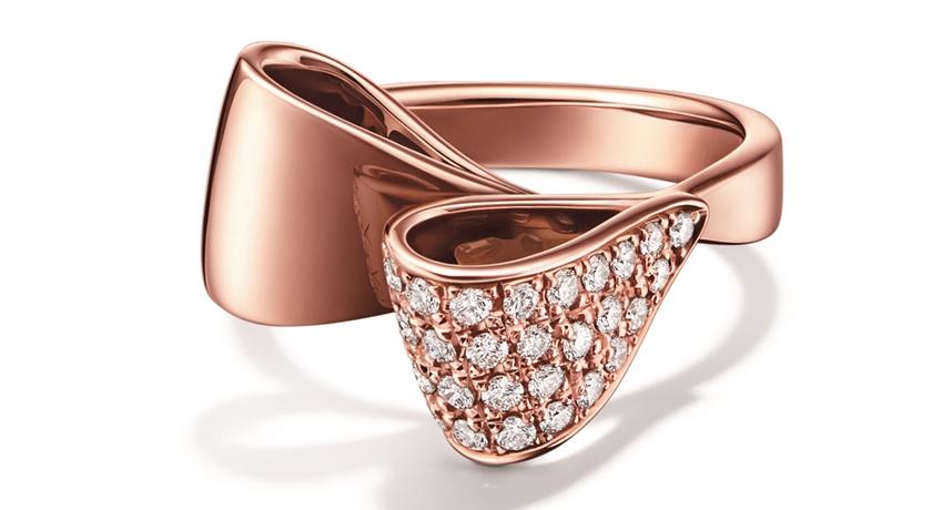 緞帶變身「時尚首飾」好適合夏天!仔細看上面還有滿滿的鑽石