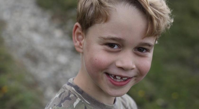 喬治小王子七歲生日 PO 新照!穿「迷彩 T」鐵粉直呼帥呆了