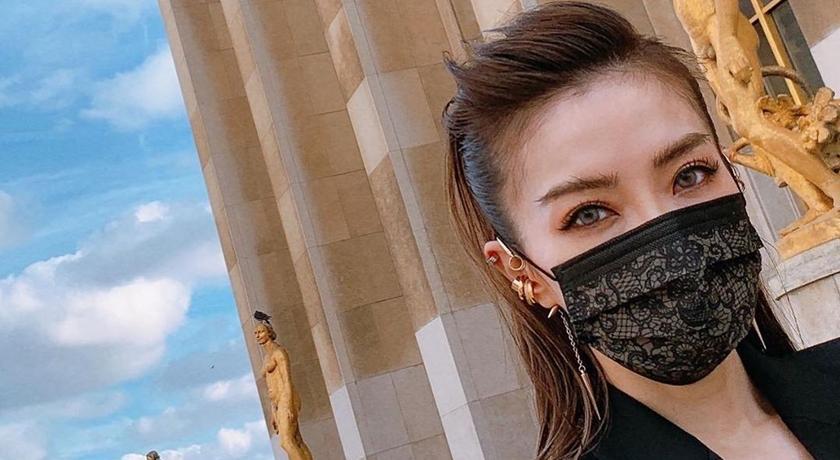 謝金燕「姊姊版酷黑蕾絲口罩」開賣!口罩界魔王款炒到天價