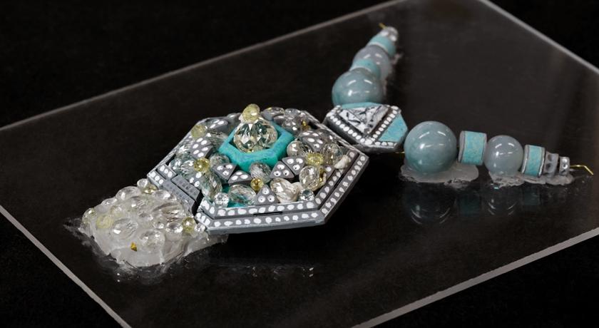 全新美洲豹作品來了!卡地亞珠寶展「超神秘」展演形式成話題