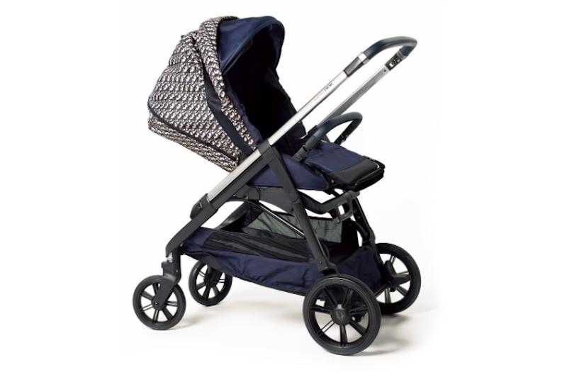 時髦從小開始!Dior「老花」嬰兒車上街好拉風