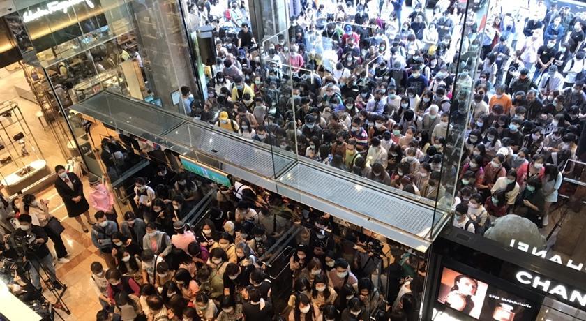 全球最狂買氣!週年慶人潮擠爆「錢留台灣」瞄準全年800億業績