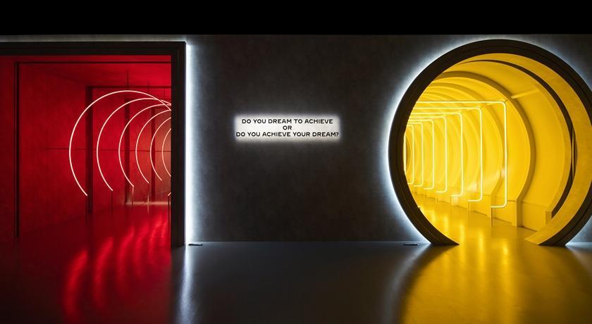 方圓「兩個隧道」你要走哪裡?卡地亞超好玩特展成打卡熱點