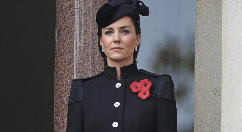 凱特王妃私人訂製「軍裝外套」曝光!肩膀上的流蘇超有看頭