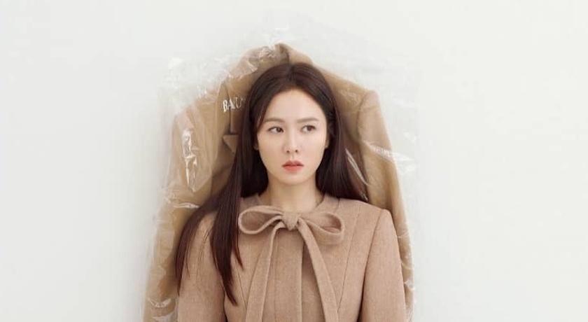 孫藝珍蹺「二郎腿」照樣優雅!男友視角曝光38歲逆齡美貌
