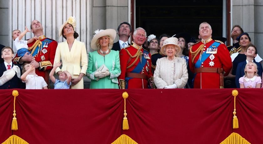 都是疫情害的!英國皇室傳將以「賣襪子」彌補財政損失