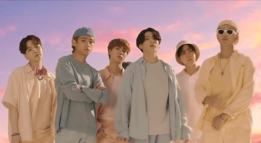 BTS防彈少年團「舊衣」狂飆450萬天價!超大咖買家身份曝光