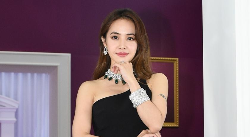 蔡依林披兩億珠寶不忘秀腹肌!自爆:還會有更辣的照片曝光