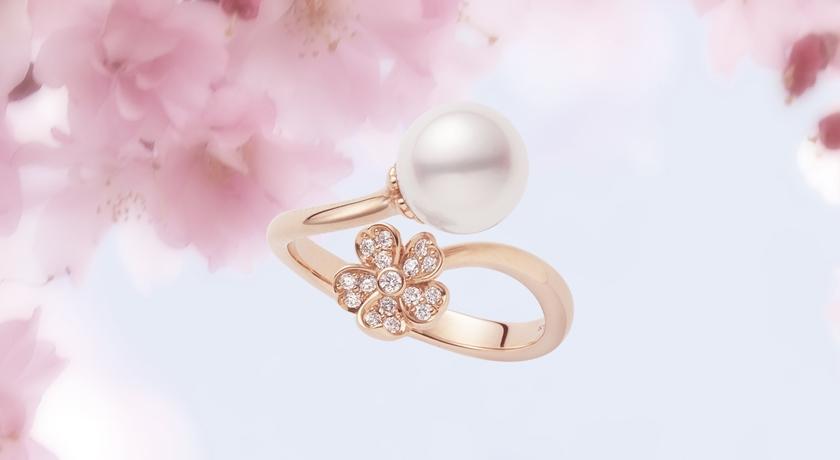 一朵朵小巧「櫻花」變成珠寶好萌!花旁邊還有一顆超亮珍珠