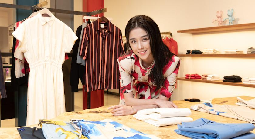 邵雨薇穿「霸王玫瑰裙」耍浪漫!自爆「和男友搶衣服」沒在手軟