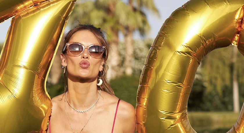 前維密超模曬「比基尼辣照」歡慶40歲生日!超狂身材網全跪