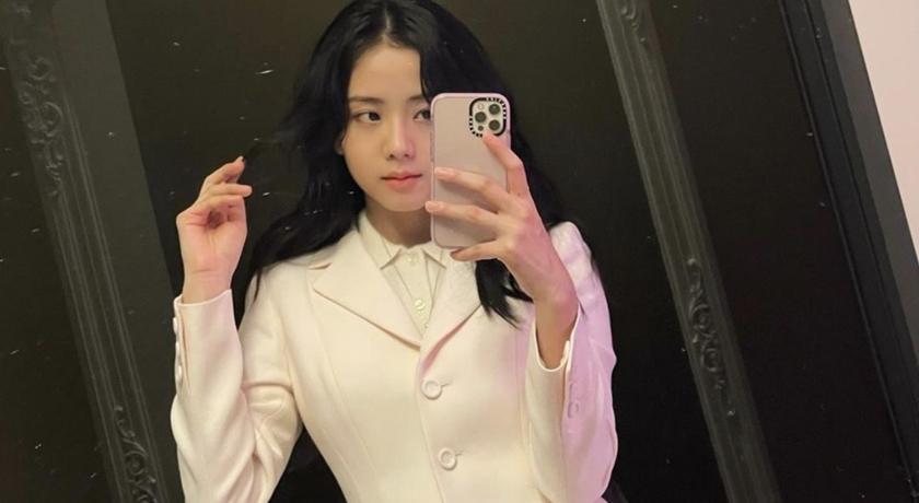 被讚「深夜興奮劑」!BLACKPINK Jisoo 新造型讓粉絲超開心