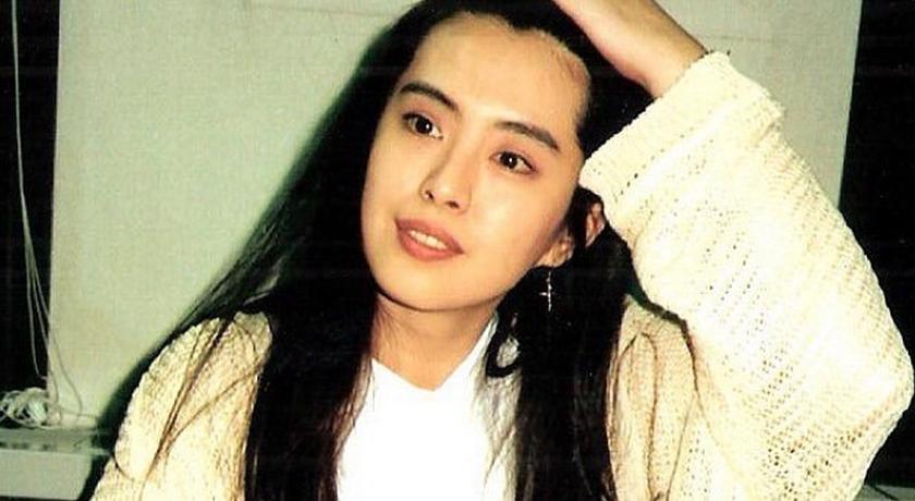 王祖賢 28 年前舊照曝!造型被狂讚「穿越到現代也不違和」