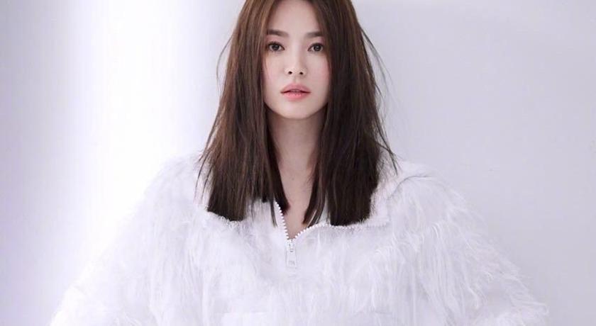 宋慧喬公開「全素顏」私服照!超完美少女肌被讚比化妝還美