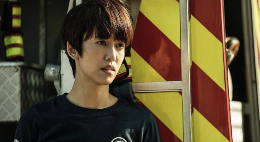《火神》結局太虐!陳庭妮在家哭爆公開素顏自拍「眼睛超腫」
