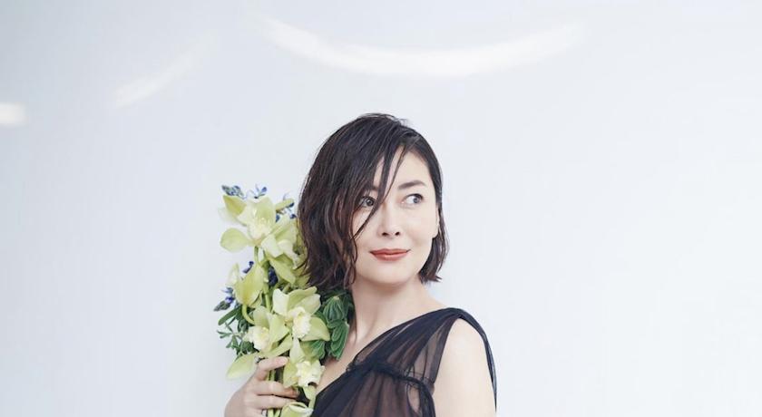51歲中山美穗曬「少女舊照」!超然美貌自嘆:回不去了