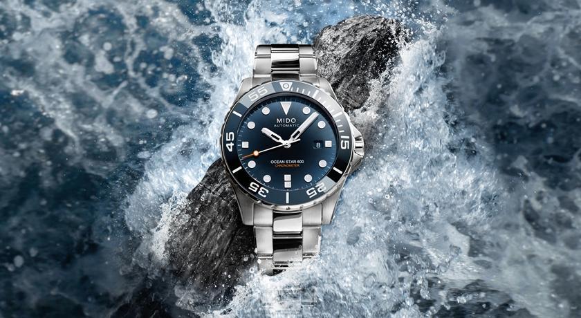 戴上這只錶可潛到 600 公尺深海!翻過來還有可愛「海星圖案」