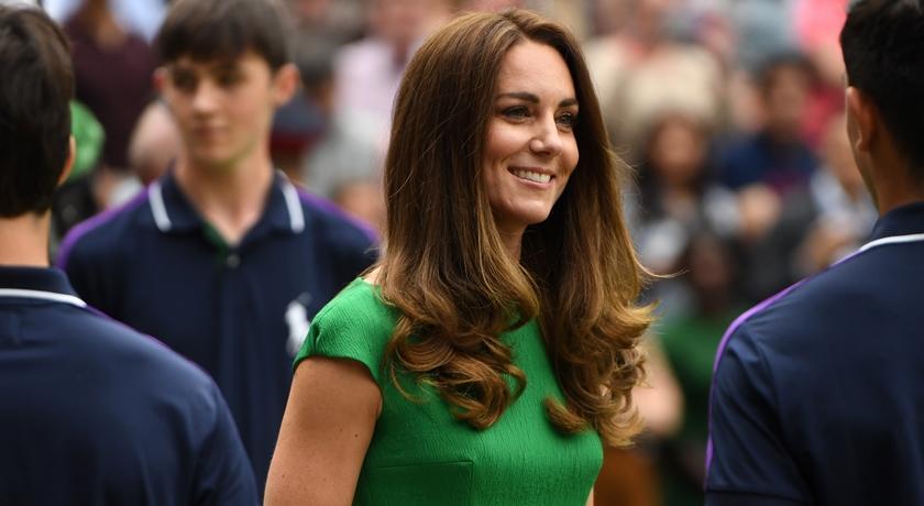 凱特王妃解隔離首現身!大膽穿「青綠色洋裝」任溫網頒獎人