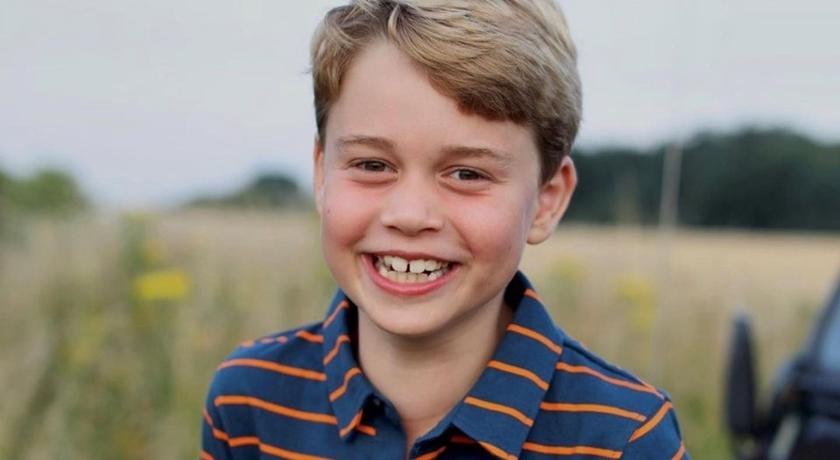 喬治小王子八歲了!慶生萌照曝光「藏洋蔥」思念菲利普親王