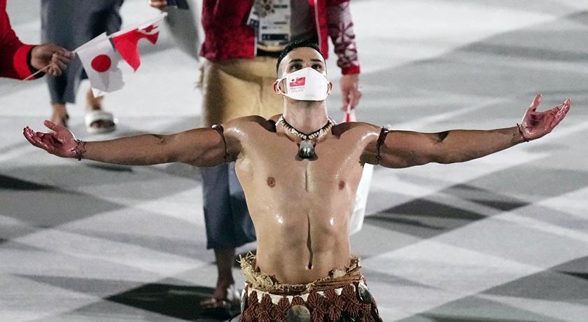 東奧最帥掌旗官「肌」情現身!大秀東加王國傳統一身是亮點