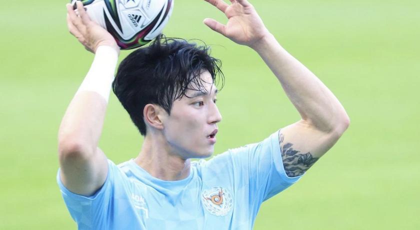韓國足球男神「濾鏡忘記開」!無P照網看傻:這是同一人?